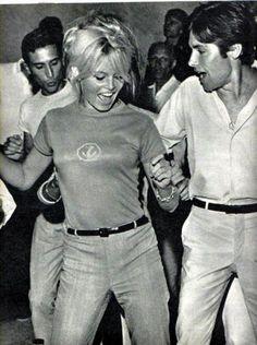 Brígítte Bardot & Sâmi Frey in Capri whilst filming Jéan-Luc Godard's 1963 film 'Le Méprís'