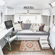 Stunning 100 Full Time RV Living Tips and Tricks Camper Organization https://insidecorate.com/100-full-time-rv-living-tips-tricks-camper-organization/