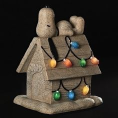 Roman 160006 089945560749 Peanuts Snoopy on Dog House Solar Powered Light Up Christmas Garden Statue New Christmas Tabletop, Christmas Garden, Outdoor Christmas Decorations, Christmas Ideas, Christmas Lights Outside, Hanging Christmas Lights, Garden Figurines, Garden Statues, Peanuts Snoopy