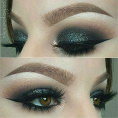 black smokey eye @sleepologist with glitter + golden inner corner | #dark bold cat winged liner #eyeliner #makeup