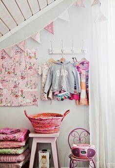 kids room detail