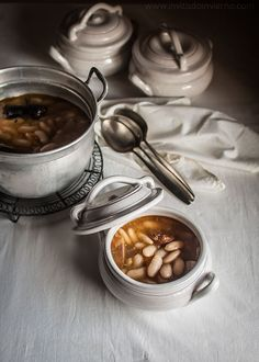► Fabada asturiana. El invitado de invierno. #comfortfood #platosdecuchara Food Photography Styling, Food Styling, Cream Soup, Gourmet Recipes, Soups, Special Occasion, Paraiso Natural, Diet, Vegetables