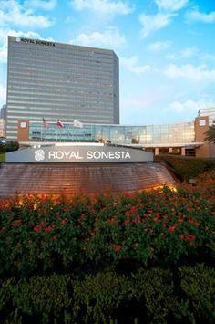 Hotel Deal Checker - Royal Sonesta Hotel Houston