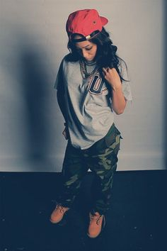 clothes, outfit, camo, snapback, boots love her whole outfit but different shirt