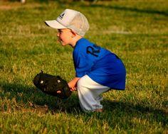 Baseball Photos Kids Baseball Team Pictures, Softball Photos, Girls Softball, Sports Photos, Picture Ideas, Photo Ideas, Softball Photography, Baseball Birthday Party, New York Yankees