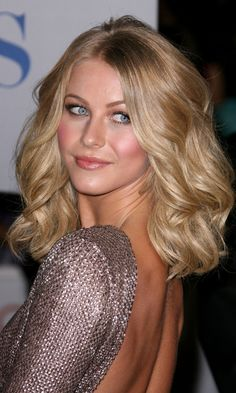 Julianna Hough At The Peoples Choice Awards 2012, I hope my hair looks like this when it grows up...