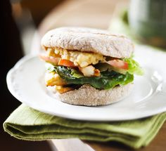 vegan tempeh breakfast sandwich