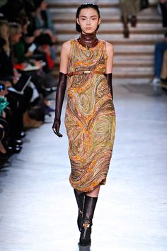 """maybe it's just me, but this dress totally evokes Edvard Munch's """"The Scream"""""""