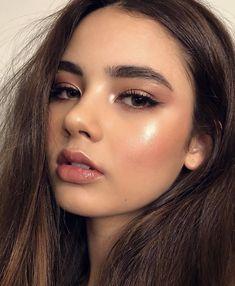 Rotgold Augen Make-up und braune Haare Inspirierende Damen - Prom Makeup Looks Makeup Hacks, Makeup Goals, Makeup Inspo, Makeup Inspiration, Makeup Tutorials, Makeup Geek, Makeup Trends, Beauty Trends, Makeup Addict