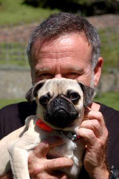 Voici Robin Williams au temps plus heureux avec son chien fidele Leonard.  Quand j'irai a Oslo feter mon cinquantieme anniversaire, celui-ci sera dans mes pensees.  Amuse-nous au-dela des etoiles, mon ami!