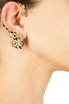 Claw shape citrine earcuff available only at Pernia's Pop-Up Shop.