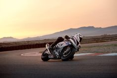 HP4 RACE fans, join us LIVE at the BMW Motorrad factory in Berlin on 07.06.2017 to see how this boundary-bending-bike is made. Can't wait? More HP4 RACE info at: bmw-motorrad.com/hp4race #HP4RACE #HP4 #race #MakeLifeARide #bmwmotorrad #motorcycle #moto #bike #hp #carbon #carbonfiber #art #hightech #tech #power #speed #instapic #photooftheday