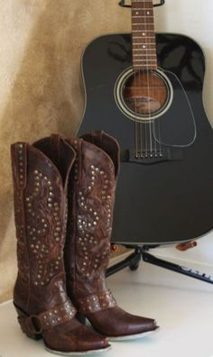 cowgirl boots- Cowgirl KIm