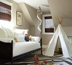 guest room/play room