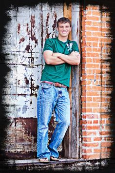 Senior Picture Ideas For Guys | Senior Picture Ideas For Guys Baseball Check out senior portrait