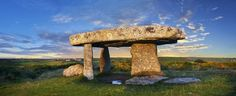 A recent investigation of stone-age rock art at a megalithic construction known as Hendraburnick Quoit, in Cornwall, has revealed that ten times the number of artistic markings are visible when vie…