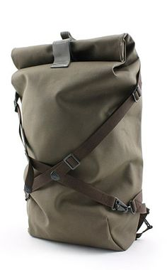 This rucksack has an interesting concept. I like the idea of the crossed front straps.