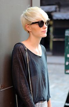 In this article, we are listing some of the great short blonde haircuts for you to appreciate and maybe imitate in the future. Short Blonde Haircuts, Short Hair Cuts, Short Hair Styles, Pixie Hairstyles, Pixie Haircut, Pretty Hairstyles, Pixie Cut Blond, Blonde Pixie, Pixie Cuts