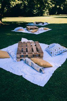 Un matrimonio boho chic a palazzo – Wedding Decorations Backyard Birthday, Backyard Picnic, Picnic Birthday, Beach Picnic, Picnic Theme, Picnic Set, Picnic Ideas, Picnic Decorations, Wedding Decorations
