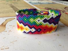 Rainbow Chevron Friendship Bracelet Pattern Number 10433 - For more patterns and tutorials visit our web or the app!