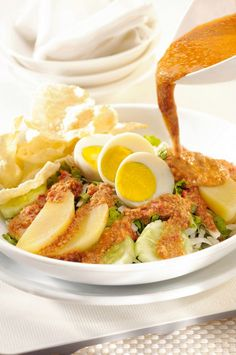 Gado-Gado - Vegetable salad with peanut sauce dressing. #Indonesian recipes #Indonesian cuisine #Asian recipes  http://indostyles.com/
