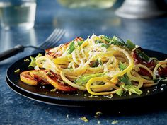 Yellow Squash Pasta with Caramelized Lemon. This gorgeous side goes well with simply grilled meat or poultry. Yellow squash has a high water content, which means that cooking the sq. Lemon Recipes, Veggie Recipes, Vegetarian Recipes, Healthy Recipes, Whole30 Recipes, Fun Recipes, Healthy Dinners, Quick Meals, Recipe Ideas