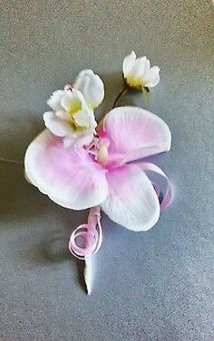 ONE NEW PALE PINK ORCHID/ BLOSSOM  BUTTONHOLE+PIN.WEDDING.PARTY.GUEST.PROM.GROOM