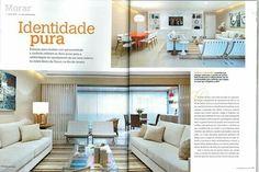 Reportagem da revista Casa com as telas Roberta Dacosta