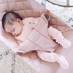 💗 💗💗💗💗💗💗💗___________ Photo by Official account Telegram Cute Baby Girl, Baby Girl Shoes, Cute Babies, Baby Boy Photos, Baby Pictures, Ulzzang Kids, Baby Bjorn, Baby Mine, Foto Baby