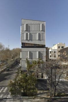 Zartosht office building is located at the intersection of Daeimei & w. It was designed by TKA architecture studio, Raouf Qas. Modern Shutters, Project Site, Tehran Iran, Small Courtyards, Building Facade, Facade Design, Contemporary Architecture, Willis Tower, Second Floor