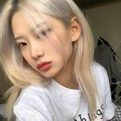 ulzzang girl girls woman women aesthetic korean japanese chinese beauty pretty beautiful lifestyle ethereal beauty girls east asian minimalistic grunge soft pastel light cute adorable 얼짱 여자 r o s i e