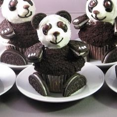 Funny pictures about Oreo Panda Cupcakes. Oh, and cool pics about Oreo Panda Cupcakes. Also, Oreo Panda Cupcakes photos. Panda Cupcakes, Oreo Cupcakes, Chocolate Cupcakes, Cupcake Cakes, Cup Cakes, Oreo Cookies, Cupcake Ideas, Chocolate Oreo, Fairy Cakes