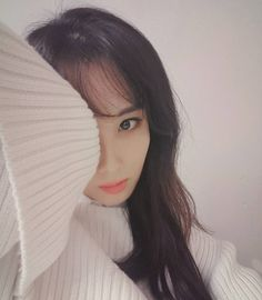 seojuhyun_s: 빼꼼 Have a good night guys