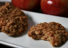 Oat and apple pancakes – bambus Apple Desserts, Apple Recipes, Great Recipes, Oatmeal Cookie Recipes, Oatmeal Cookies, Healthy Food Options, Healthy Recipes, Food N, Food And Drink