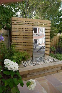 Small Contemporary Garden by Garden Designer Andrea Newill