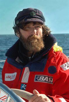вопрос № 10...Федор Конюхов известный кругосветный путешественник...это просто удивительно ) увидеть весь мир!...и не бояться одиночества...
