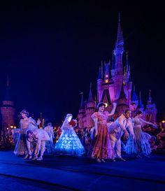 Disney World Cancels Fall Events & Introduces New Festival - Disney Tourist Blog Disney World Fireworks, Disney World Trip, Disney S, Disney Magic, Very Merry Christmas Party, Christmas Events, Disney Tourist Blog, Disney Dining