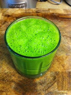 Smoothie: Green Mean Detox Machine and more!