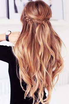 21 Best Spring Hair Colors for a Trendy Look ★ Soft Gold Blonde Shade to Make Your Hair Shine Picture 2 ★ See more: http://glaminati.com/spring-hair-colors/ #springhaircolors #haircolors