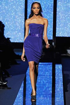 Versace Fall 2009 Ready-to-Wear Collection Photos - Vogue