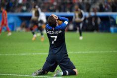 let me make you feel alright ɑc. verɑ mɑrɑ leɑh ɑlice kelly ellie teɑ kɑrlɑ & jen Older is better [ ] Antoine Griezmann, Steven Gerrard, World Cup 2018, Fifa World Cup, Premier League, Man Hug, France Football, Chelsea, Master System