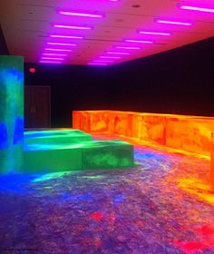Keith Sonnier, Fluorescent Room, 1970-2010. New Orleans Museum of Art.