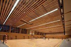 Sports complex in Châtenay-Malabry / aEa – agence Engasser + associés