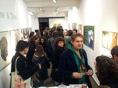 """Le soir du vernissage de l'exposition """"Between Time & Time"""" de Benyounès Semtati, galerie VivoEquidem, 17 janvier 2012, Paris"""