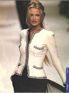 Karen Mulder - CHANEL Haute Couture SS 1994,