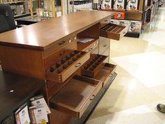 Dream craft storage table