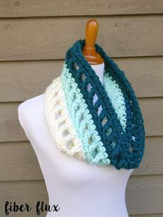 Wintergreen Ombre Cowl, free crochet pattern + full video tutorial from Fiber Flux
