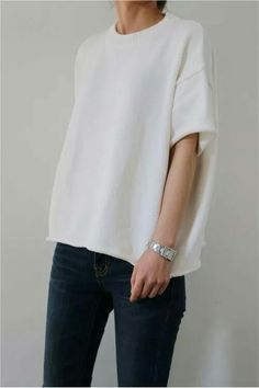 semi-structured white tee + skinny black denim