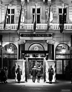 Hotel Sacher in Vienna >>> armed guards outside!