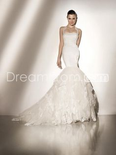 Classic  Trumpet/Mermaid Halter Strapless Tiered Court Train  Lace Embellishing Wedding Dresses